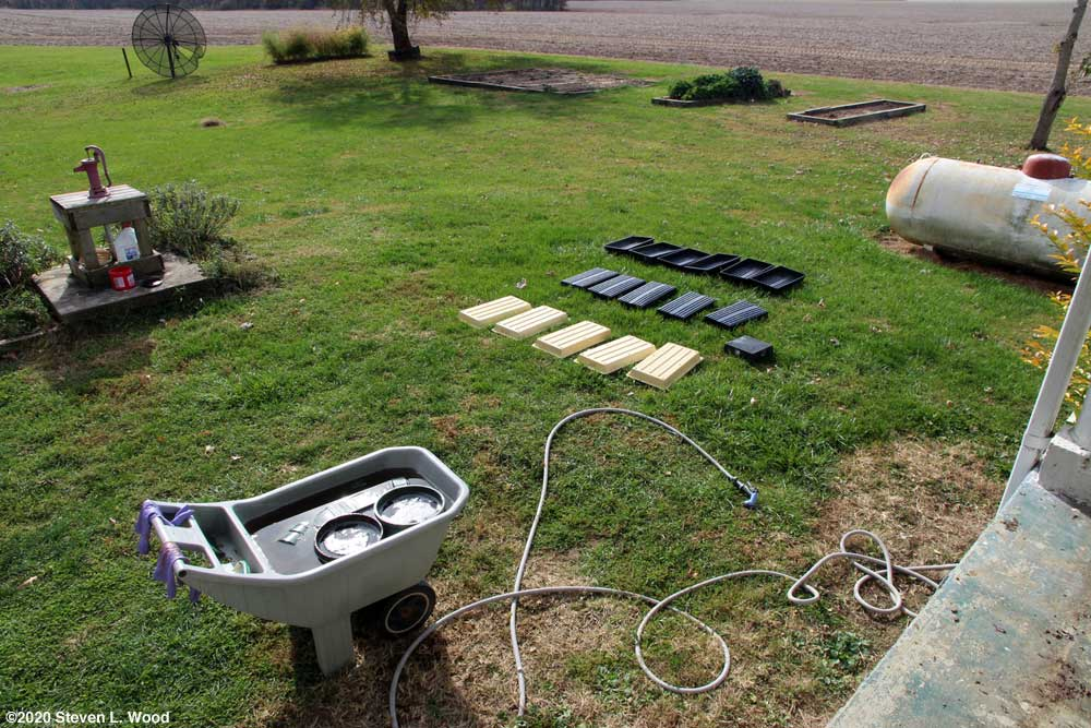 Cleaning and drying trays and pots