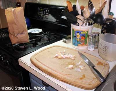 Cutting and peeling garlic cloves
