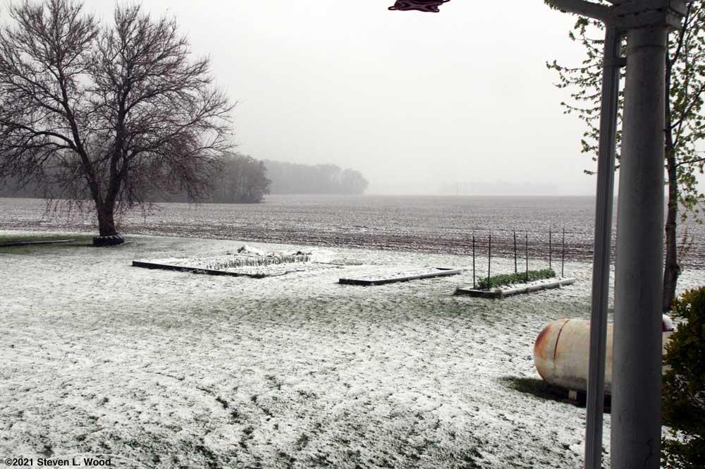 Snow on April 20, 2021