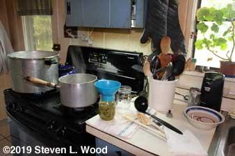 Loading canning jars